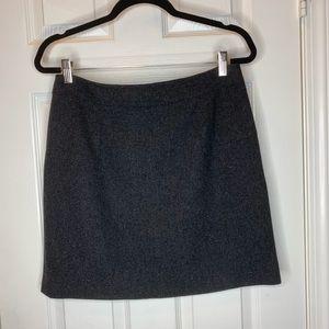 Woman's skirt j. Crew size 6 wool black career